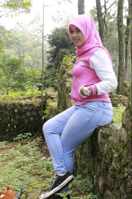 yessy ecii jilbab merangsang (5)