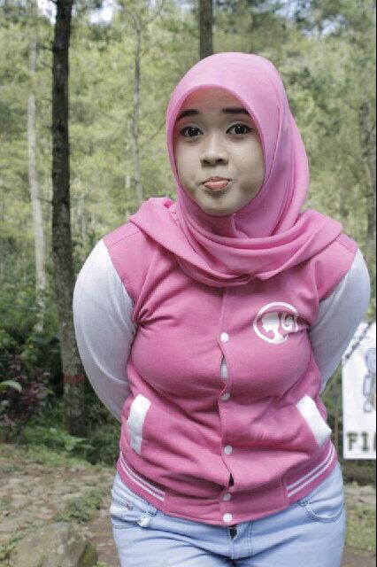 yessy ecii jilbab merangsang (7)