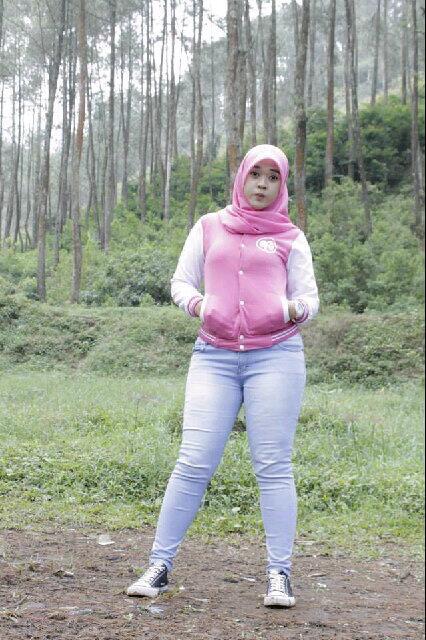 yessy ecii jilbab merangsang (8)