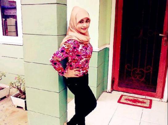 gladys jilbab horny (3)