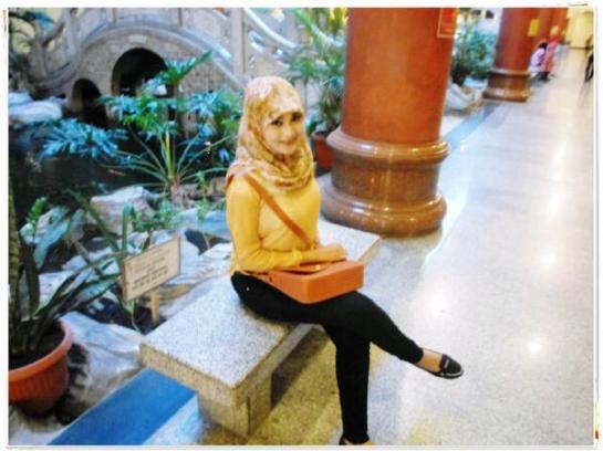gladys jilbab horny (6)