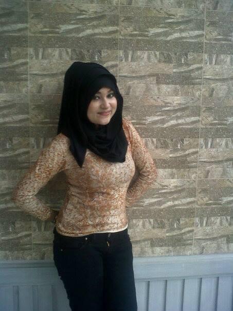 gladys jilbab horny (7)