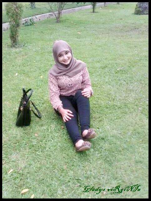 gladys jilbab horny (9)