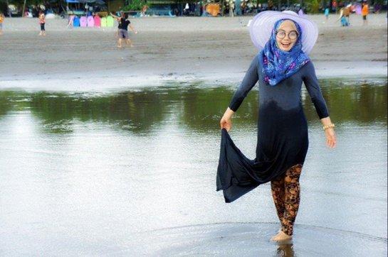 ANNISA ISLAMIYAH (9)